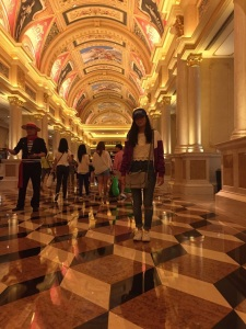 The lobby at The Venetian. Look down. Do you see it? I thought my eyes were playing tricks on me.